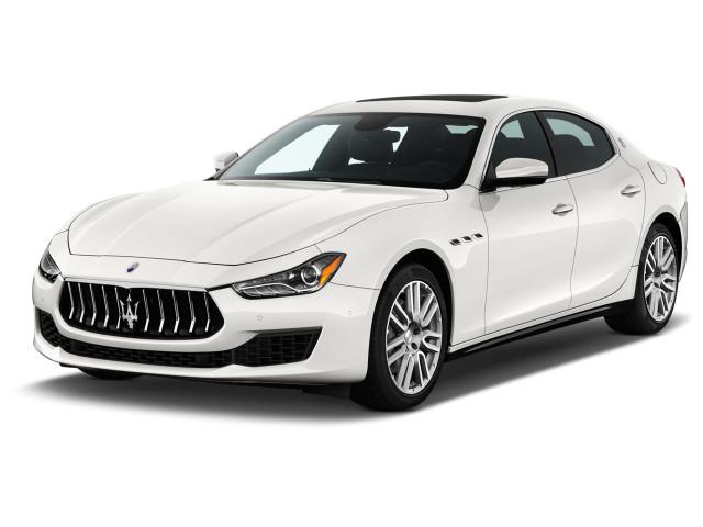 2018 Maserati Ghibli 3.0L Angular Front Exterior View