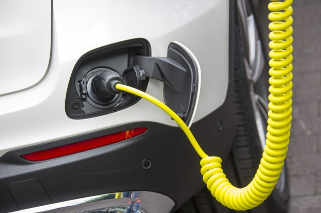 2018 tesla suv price. perfect 2018 tesla range boost mercedesbenz electric suv nissan leaf pricing todayu0027s  car news to 2018 tesla suv price i