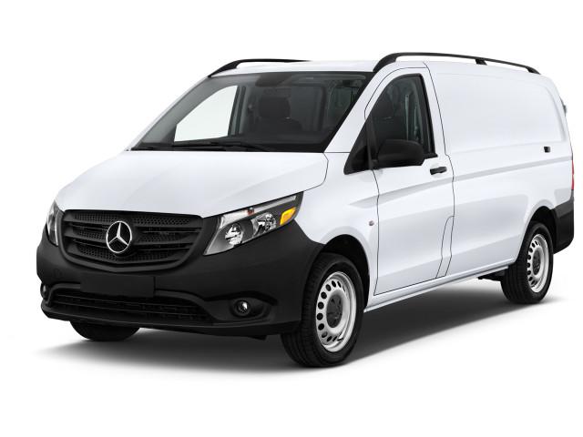 """2018 Mercedes-Benz Metris Standard Roof 126"""" Wheelbase Angular Front Exterior View"""