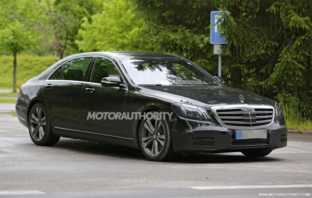 2018 Mercedes-Benz S-Class facelift spy shots - Image via S. Baldauf/SB-Medien
