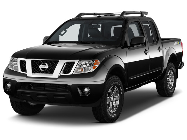 2018 Nissan Frontier Crew Cab 4x4 PRO-4X Auto Angular Front Exterior View