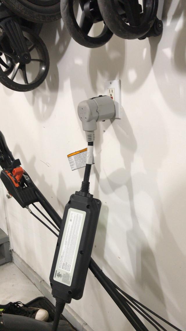 2018 Nissan Leaf SL charger