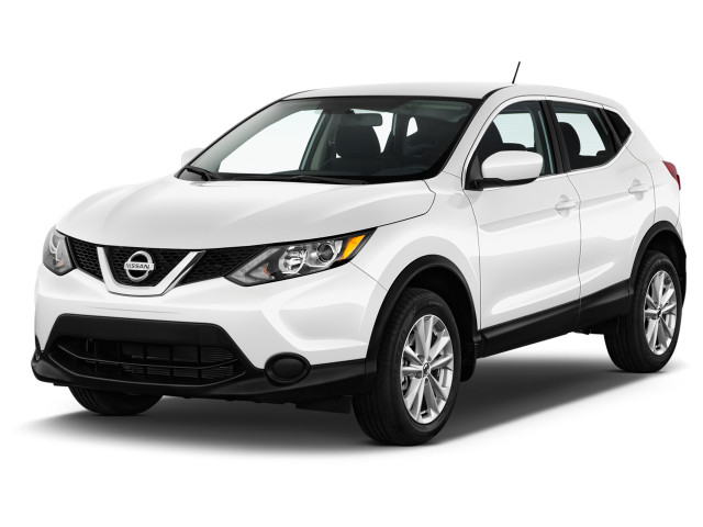 2018 Nissan Rogue Sport AWD S Angular Front Exterior View