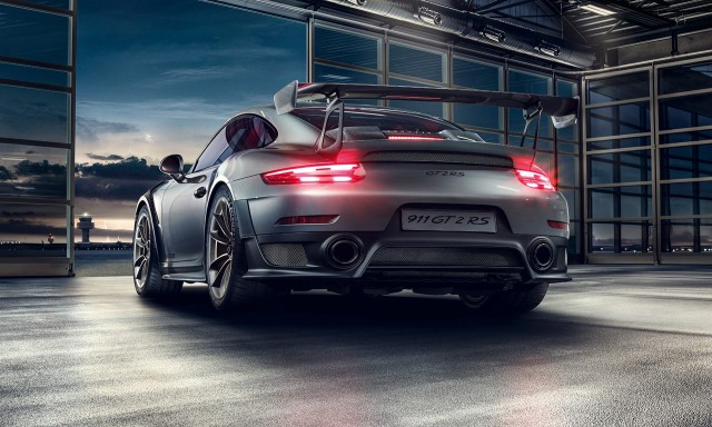 Porsche launches a auto  subscription service