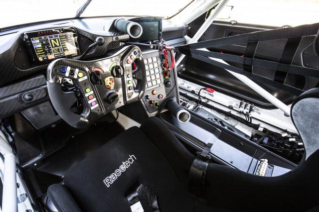 2018 Porsche 911 GT3 R race car