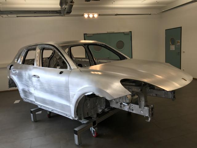 2019 Porsche Cayenne body in white