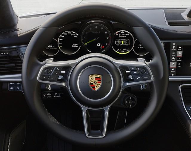 Next Porsche 911 To Come With Digital Dash