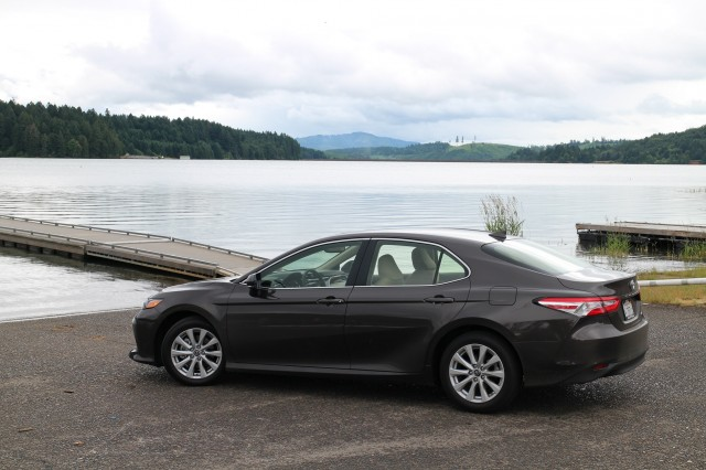 2018 Toyota Camry Hybrid LE, Willamette Valley, Oregon, June 2017