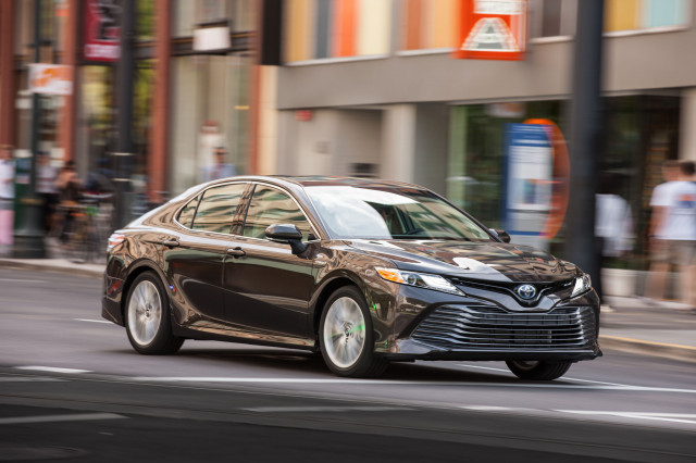 2018 Toyota Camry Xle Hybrid Road Trip Review A Case For High Mpg