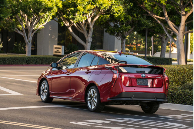 2019 Toyota Prius, BMW styling rethink, Electric-car parking: What's New @ The Car Connection
