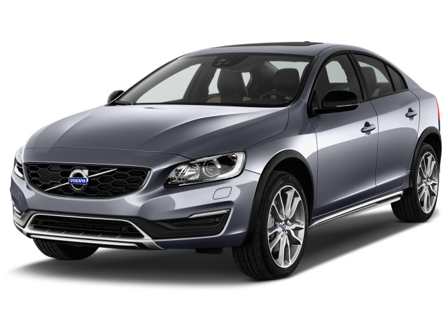 2018 Volvo S60 Cross Country T5 AWD Angular Front Exterior View