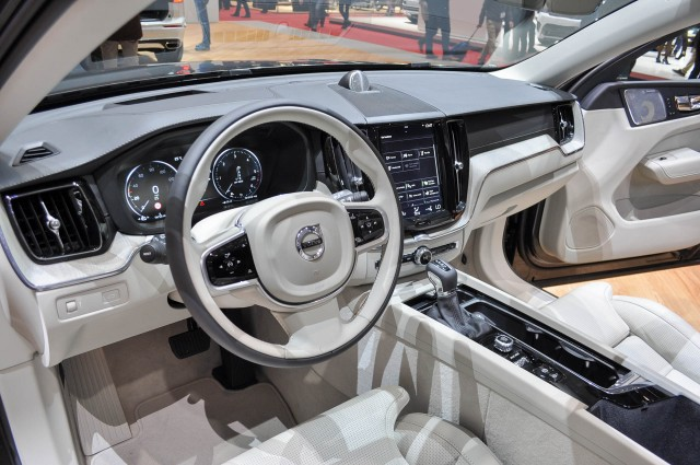 2018 volvo electric car. perfect electric 2018 volvo xc60 2017 geneva auto show to volvo electric car