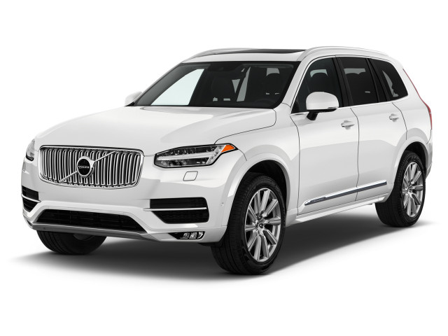 2018 Volvo XC90 T6 AWD 7-Passenger Inscription Angular Front Exterior View