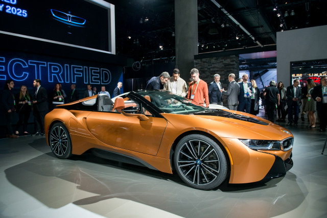 2019 Bmw I8 Larger Battery More Range Plus New Roadster Priced