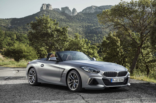2019 BMW Z4 debuts, Ferrari Monza, Elon Musk's woes: What's New @ The Car Connection