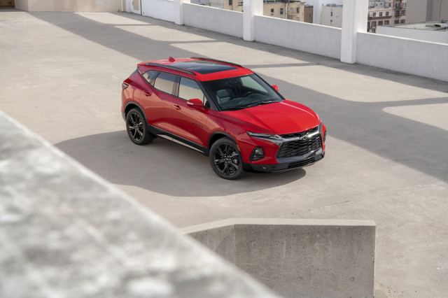 2019 Chevrolet Blazer vs. 2019 Honda Passport: Compare Cars
