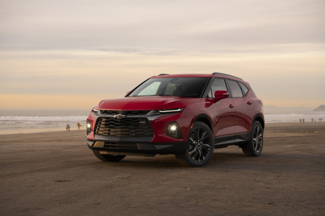2020 Porsche Taycan first drive, 2019 Chevy Blazer review, the next step in high-speed charging: What's New @ The Car Connection