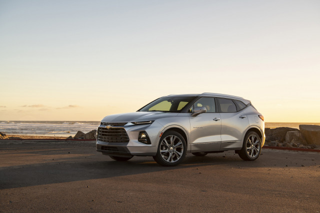 2019 Chevy Blazer driven, California exhaust noise laws, Kia Niro EV: What's New @ The Car Connection