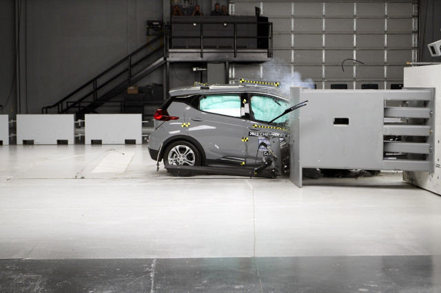 2019 Chevy Bolt gets a lower safety rating from IIHS