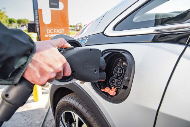 2017-2019 Chevy Bolt EV recalled for battery fire risk