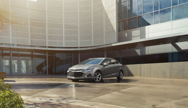 GM builds last Chevrolet Cruze, exits compact car market