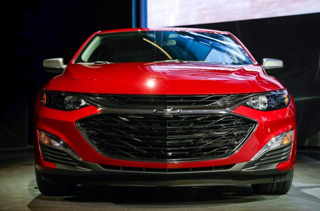 2019 Malibu >> 2019 Chevrolet Malibu Brings New Look Sporty Rs Trim