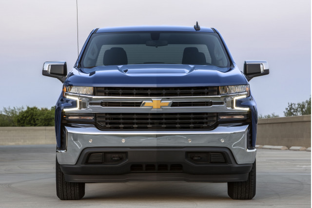 Chevy Silverado electric pickup truck planned with 400-mile range