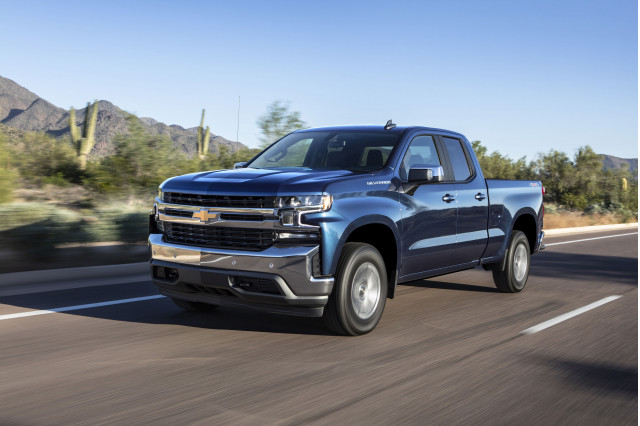 Chevy Silverado mpg: Turbo-4 lower than V-8 in gas mileage ...