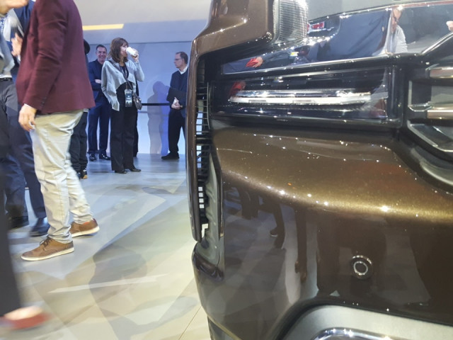 2019 Chevrolet Silverado 'aero curtain' in front fender