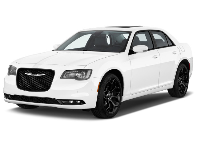 2019 Chrysler 300 300S RWD Angular Front Exterior View
