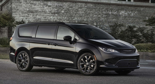 2019 chrysler pacifica review ratings specs prices and. Black Bedroom Furniture Sets. Home Design Ideas