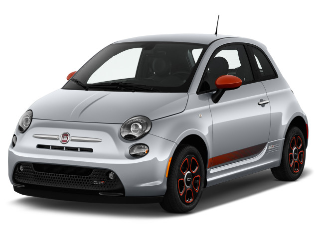 2019 FIAT 500e Hatch Angular Front Exterior View