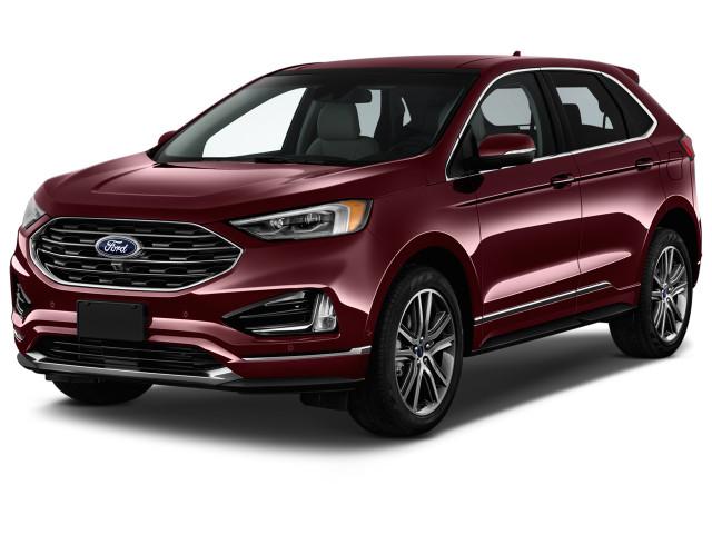2019 Ford Edge Titanium FWD Angular Front Exterior View
