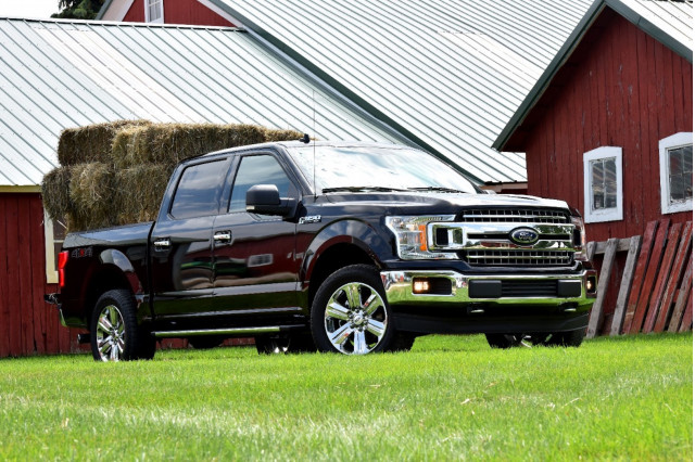 2019 Ford F-150 vs  2019 Ford Ranger: Compare Trucks