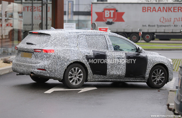 2019 Ford Focus Wagon spy shots - Image via S. Baldauf/SB-Medien