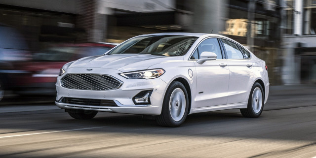 2019 Ford Fusion Energi plug-in hybrid gets 25 miles from ...