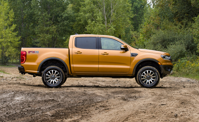 2019 Ford Ranger with self-leveling kit