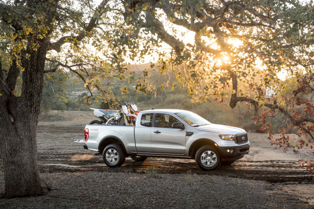2019 Ford Ranger vs. 2019 Nissan Frontier: Compare Trucks