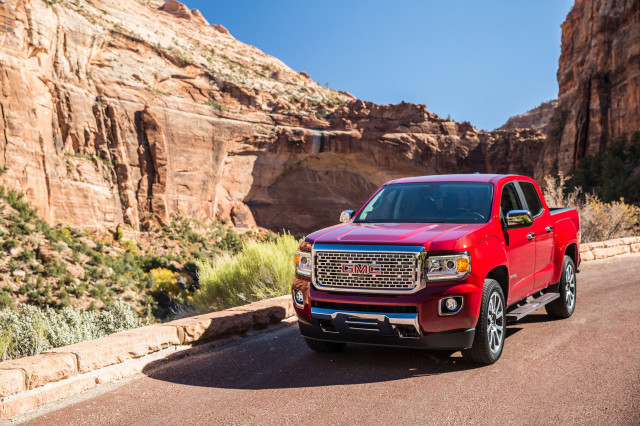 2019 Gmc Canyon Vs Chevrolet Colorado Gmc Sierra 1500 Honda
