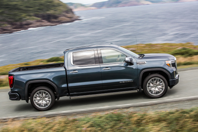 2019 chevrolet silverado 1500 and gmc sierra 1500 best car to buy rh thecarconnection com