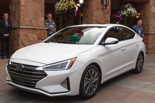 2019 Hyundai Elantra debuts: Compact car adds safety tech, gets edgier look