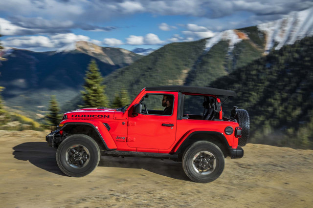 2019 Jeep Wrangler vs. 2020 Jeep Gladiator: Compare Trucks