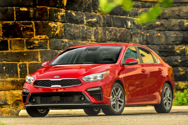 2019 kia forte vs 2019 hyundai elantra compare cars. Black Bedroom Furniture Sets. Home Design Ideas