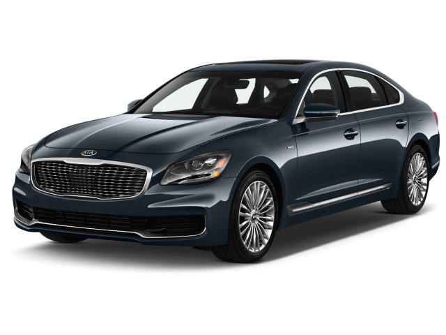 2019 Kia K900 V6 Luxury Angular Front Exterior View
