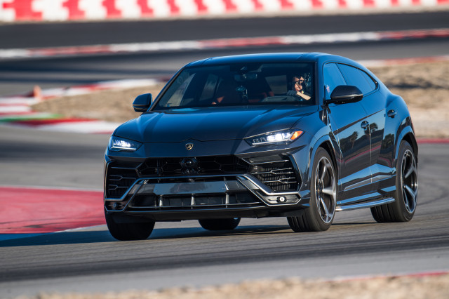 2019 Lamborghini Urus 2021 Land Rover Defender 2021 Mercedes Benz