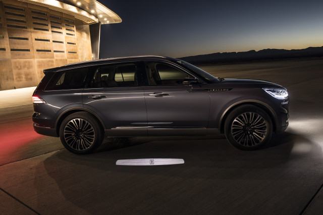 2019 Lincoln Aviator Crossover To Include Plug In Hybrid Version