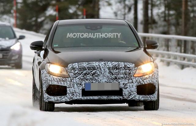 2019 Mercedes-AMG C43 facelift spy shots - Image via S. Baldauf/SB-Medien