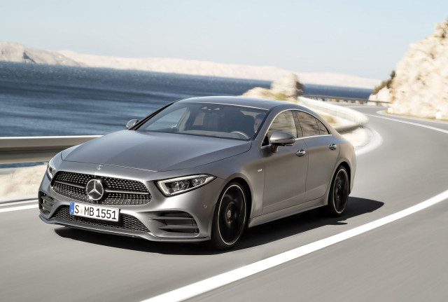 Geely looking to buy stake in mercedes 39 parent daimler for Who buys mercedes benz