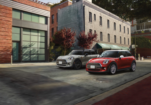 Mini makes its high-value Oxford Edition available to active and retired U.S. military members
