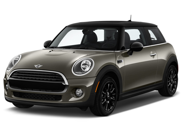 2019 MINI Hardtop 2 Door Cooper FWD Angular Front Exterior View